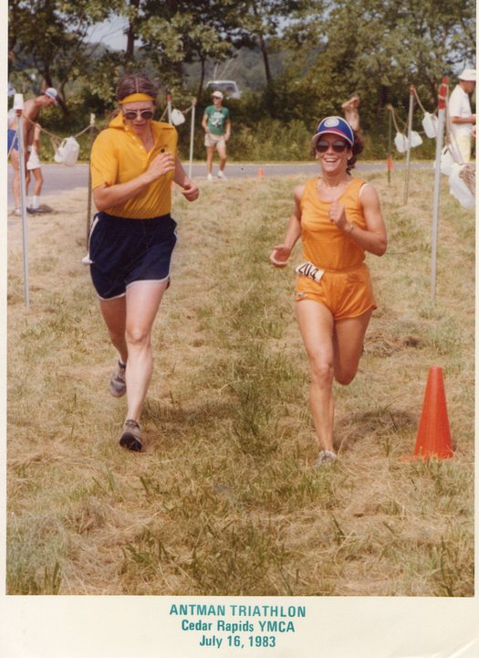 Evonna's momma Donna (left) and my momma Denise (left) finishing strong. 80's running never looked so sexy...and so orange apparently.
